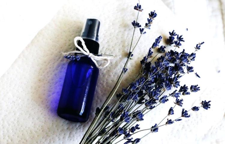 Natural Pillow Spray Recipe for Quality Sleep & Relaxation